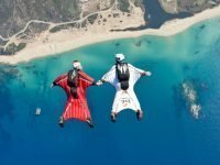 Wingsuit flying-flying together